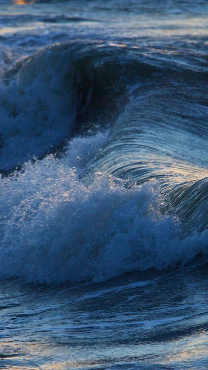 Blurred Motion Of Sea Waves