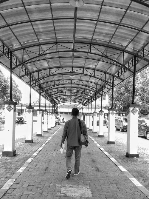 Walking Rear View Walking Full Length One Person Day The Way Forward Lifestyles Real People People Adult One Woman Only Adults Only Indoors  Only Women Blackandwhite Photography Black And White Black And White Collection  Canopy Walk Black&white Black & White Photography Outdoors Architecture
