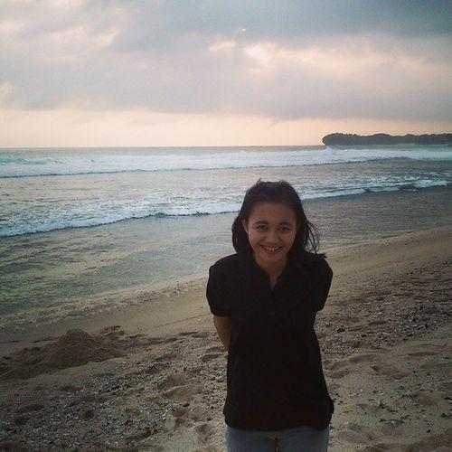 Happy expresion, look at her smile,, :-P Vacation Liburan Latepost Poktunggal Gunungkidul Pantai Beach Happy Cute Beautiful Natural Smile