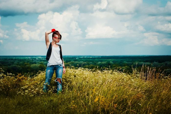 UA Girl Haire Hairstyle Nature Landscape Sky Nature_collection Nature Photography Portraite Jeans Woman person Beautiful Woman Looking Away Green Color Field Outdoors Outdoor Photography Full Length Childhood Sea Child Standing Smiling Happiness Red Jeans Headwear