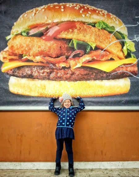 Hamburger Giant Kid Fun Kcal Weightlifting Ironic  Kid Having Fun The Portraitist - 2016 EyeEm Awards Kidsphotography Kidphotography