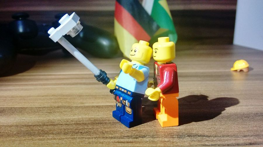 LEGO Selfie! By Pedro and Sophia Sales Lego Minifigures LEGO Lego Sculpture Tranquil Scene Lego Selfie