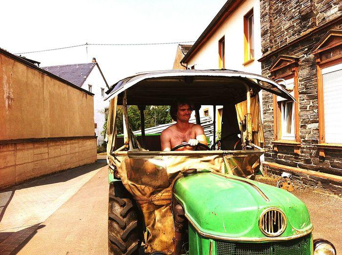 Traktor Pferdefest Mosel Festival organisieren heisst Traktor fahren.
