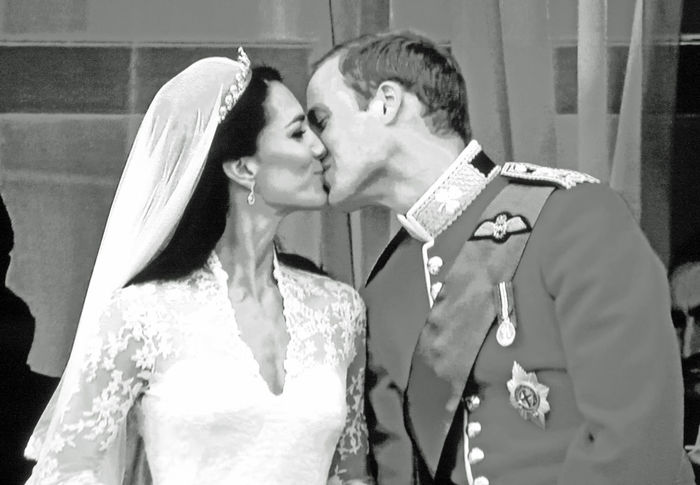 'The Kiss' on the balcony of Buckingham Palace - Marriage of Prince William & Katherine Middleton 2011 Adult Bride Buckingham Palace. Close-up Day Formalwear Men Outdoors People Royal Wedding Togetherness Two People Wedding Dress Well-dressed William & Kate Young Adult Young Women