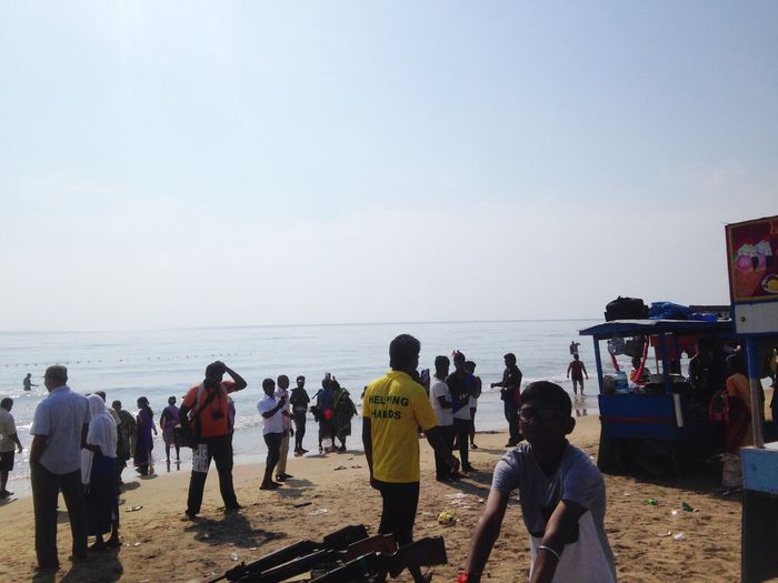 Sea Large Group Of People Water Real People Lifestyles Horizon Over Water Beach Men Leisure Activity Women Watching Sky Mixed Age Range Nature Outdoors Weekend Activities Beauty In Nature Vacations Crowd