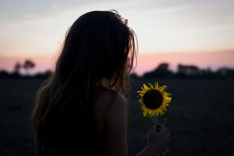 Sunflowers 🌻 Lightroom ArtWork Art Flower Love Summer Exploring Enjoying Life Travel Photography View Wanderlust Colorful Baltic Sea Ocean Sunflower Sunset Sunflower Sunset One Person Sky Flowering Plant Real People Flower Lifestyles Women Beauty In Nature Long Hair Outdoors Nature