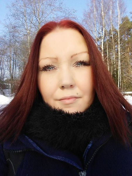Red head Winter Only Women Headshot One Person Adult Portrait Redhead Adults Only One Woman Only People Young Adult Cold Temperature One Young Woman Only Young Women Beautiful Woman Day Looking At Camera Human Face Close-up Human Body Part Press For Progress The Portraitist - 2018 EyeEm Awards