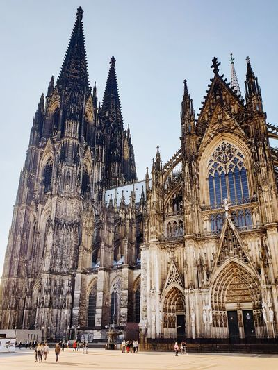 Church GERMANY🇩🇪DEUTSCHERLAND@ German Kölner Dom Cathedral Cologne Köln Germany City Place Of Worship Statue King - Royal Person Religion Clock Gothic Style History Sky Architecture Spire  Palace Sculpture Town Square Sculpted Royalty Human Representation Tower Steeple Tall - High Idol