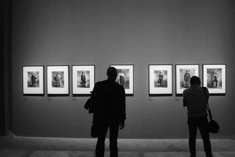 EyeEm Selects Museum Art IrvingPenn Vogue Blackewhite Silhouettes Paris Shooting Models Workers Nikon D3300 Watching Grandpalais Exhibition
