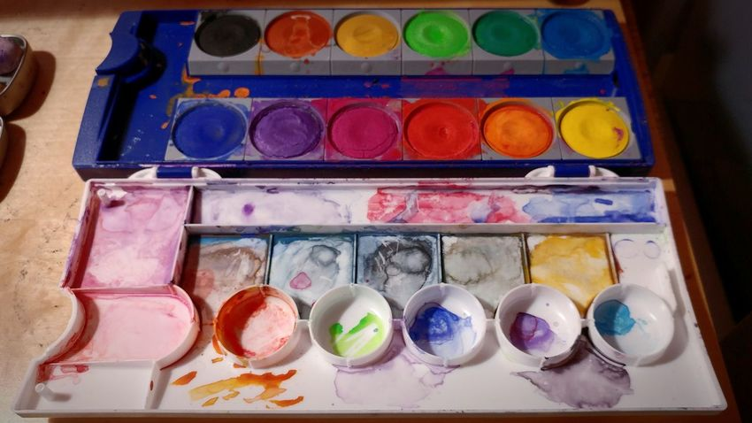 Colorist Multi Colored Palette Watercolor Paints Watercolor Painting Variation No People Close-up Choice Circles Geometric Shapes Artistic Crafts Art, Drawing, Creativity Art Yourself Art Creation Art Supplies Tucson Lg G5 Ryrygreen Ryan GREEN Painting In Progress Painting Artwork Painting Creating Watercolors  Watercolorpainting Lieblingsteil