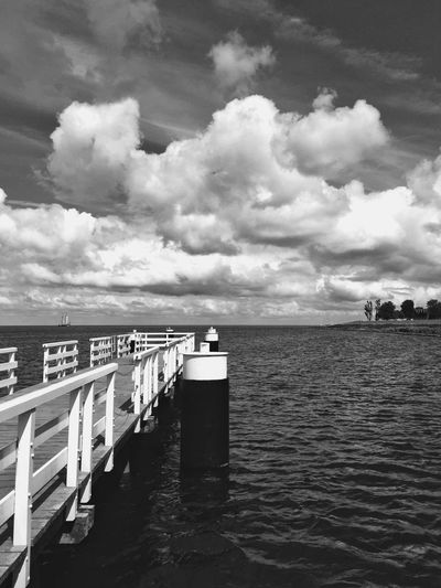 Bnw_worldwide Bnw_captures Bnw_life Bnw_friday_eyeemchallenge Bnw_pier Cloud - Sky Sky Water Sea Scenics - Nature Tranquility Tranquil Scene Beauty In Nature Horizon