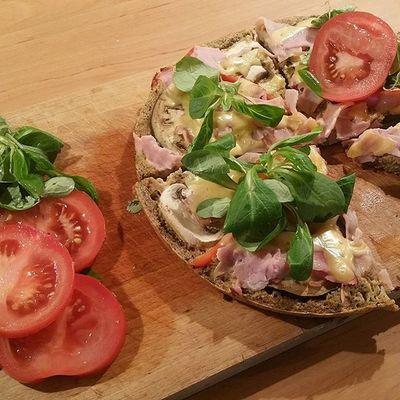 A ten znowu w kuchni 😂 Kulaswkuchni Pizza Healthyfood Foodporn Weareteamnatural Foodpics Foodie Foodgasm