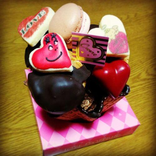 ハートの顔ぶっさいく〜♡笑 Valentine JoyeDOffrir クオーレワッフル かわいい 甘い