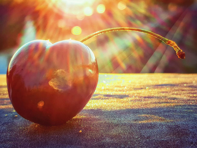 Cherries Cherries🍒 Kirschen  Natural Beauty Nature Nature Photography Beauty In Nature Close-up Czereśnie Focus On Foreground Food Food And Drink Fruit Healthy Eating Lens Flare Nature Nature_collection Naturelovers Plant Selective Focus Shiny Single Object Sphere Still Life Sunlight