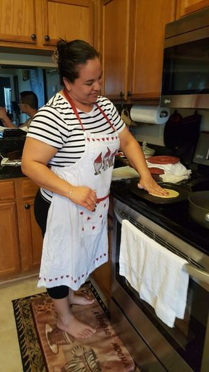 Making Tortillas! Barefoot In The Kitchen Latina Family Time Familia Mia ... Haciendo Tortillas Plussizebeauty Domisticated Cooking At Home
