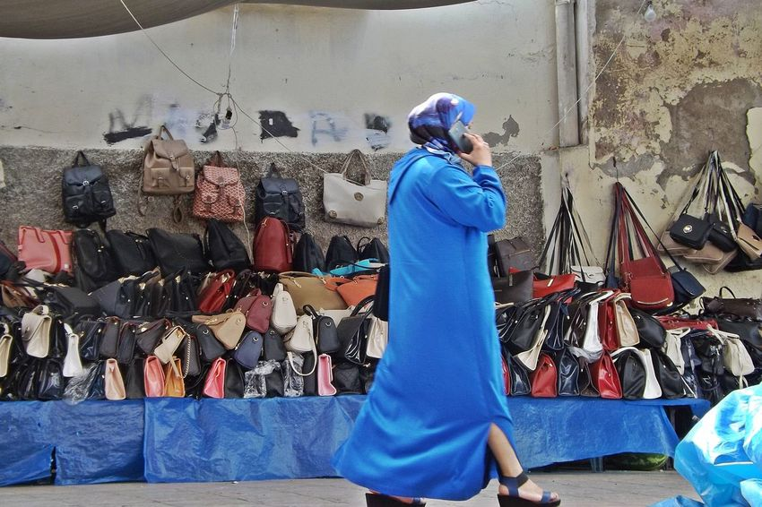 Adult Blue Camera - Photographic Equipment Communication Day Ecouter Fashion Femme Marchand Ambilant Marchandises Marche Maroc Occupation One Person Outdoors People Photography Themes Real People Rear View Rue Sac Tradition Ville Ancienne Women Workshop
