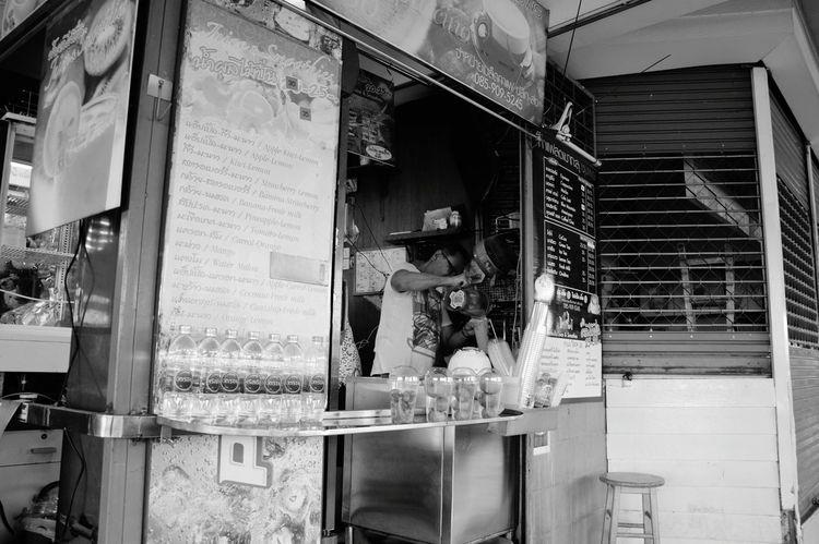 Streetphotography Street Photography Bw_collection B&w Thailand Streetphoto_bw Street Food Milkshake Bangkok Smoothie
