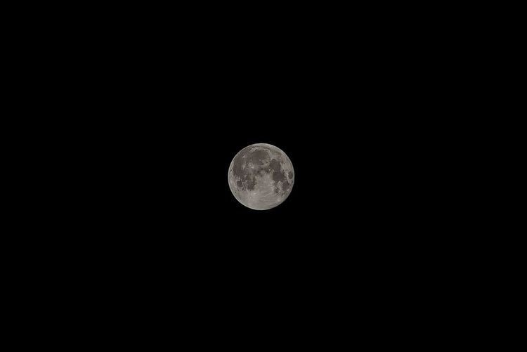 Space Night Circle Moon Geometric Shape Sky Astronomy Low Angle View Full Moon No People Moon Surface Beauty In Nature Clear Sky Nature Tranquility Tranquil Scene Copy Space Planetary Moon Scenics - Nature Shape