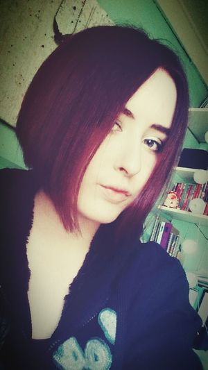 My new hair 😱💇 GotaHaircut FinallyGotAhairCut Redhead Red Newhaircut Soshort Purple Eyes