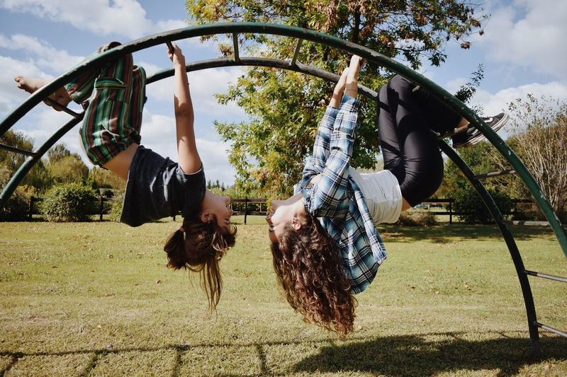 Tree Day Outdoors Girls Casual Clothing Full Length Sky Childhood Fun Hanging Cloud - Sky Real People Leisure Activity Child Lifestyles Togetherness Happiness People Adult Children Only The Great Outdoors - 2017 EyeEm Awards Live For The Story