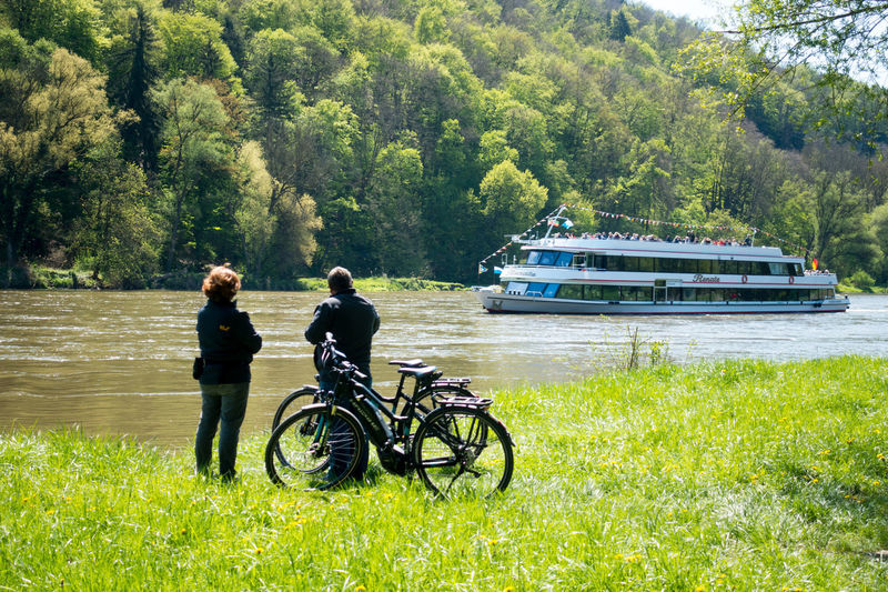 Panoramaweg between Kehlheim and Weltenburg Adventure Ausflug  Bicycle Day Donau Donauschifffahrt Field Forest Grass Journey Kehlheim Mode Of Transport Nature Outdoors Panoramaweg Scenics Tranquil Scene Tranquility Transportation Travel Travel Destinations Tree Two People Vacations Weltenburg