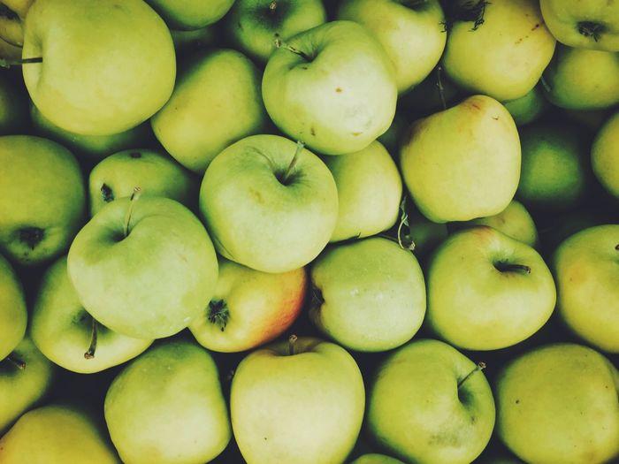 Ph: Green. Set: Colors. Nature Fruit Food Vscocam VSCO Minimalism Minimal Green Apple Apples Colour Of Life Natural Color Palette
