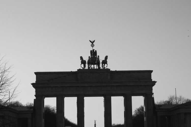 Berlin City Gate Tourism History Branderburgertor City