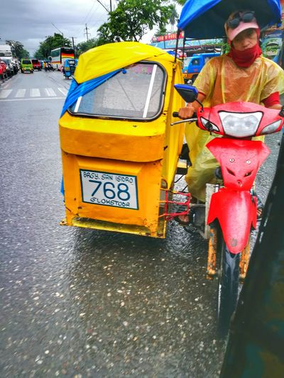 Paint The Town Yellow Rainy Days Transportation Mode Of Transport Philippines Amateurphotography Mobilephotography PhonePhotography Gensan Gensantos Gensanfun Trisikad