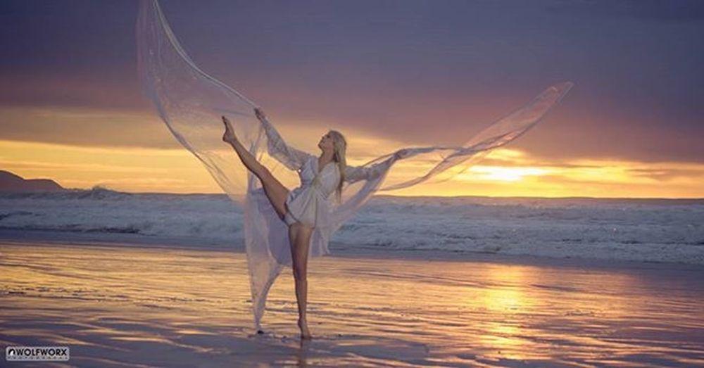 Angelic dawn @Instag_app Dance Dancer Dancing Pentax Wolfworx Music Song Songs Ballet Dancers Beach Ocean Cityofeastlondon Instaballet Sunrise Instadance Instagood Wings Angelic Flexible Flexibility Photooftheday Love Practice Fun woman blonde