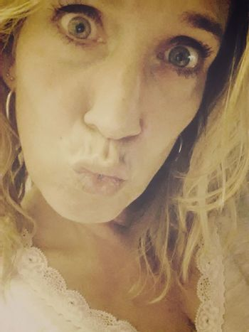 Happy Duck Face Friday!! For My Friends That Connect Poppy Love MUAHH  Crap.. forgot to tag again.. :$ @dwd @Scorpio1 in the hospital and @thirt33n anyone else in for a DFF?