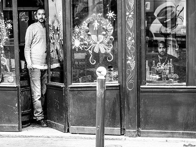 WatchDog Magnumphotos Helloicp Monochrome Documentaryphotography Beststreets Documentinglife Lensculture Everybodystreet Streetdreamsmag Gettyimages Streetphotographers StreetLife_Award Lensculturestreets Vscoworld KeepSmile Photoshoot VSCO Streetstyle Vscocam Reyscue Monochromatic Hunter Olympus Omd Mono urban street moment paris 1