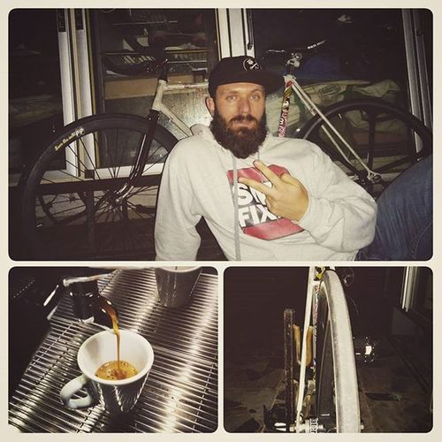 A good night skidding around... Fixedlife Fixedbike Fixie Singlespeed Nobrakes Beard Beardlife Ganna Vintagebike Fixeditaly Buildnotbought Beardlover Scattofisso BlueEyes Bicycle Coffeetime Alwayscoffeetime Solomezzispeciali Snapback