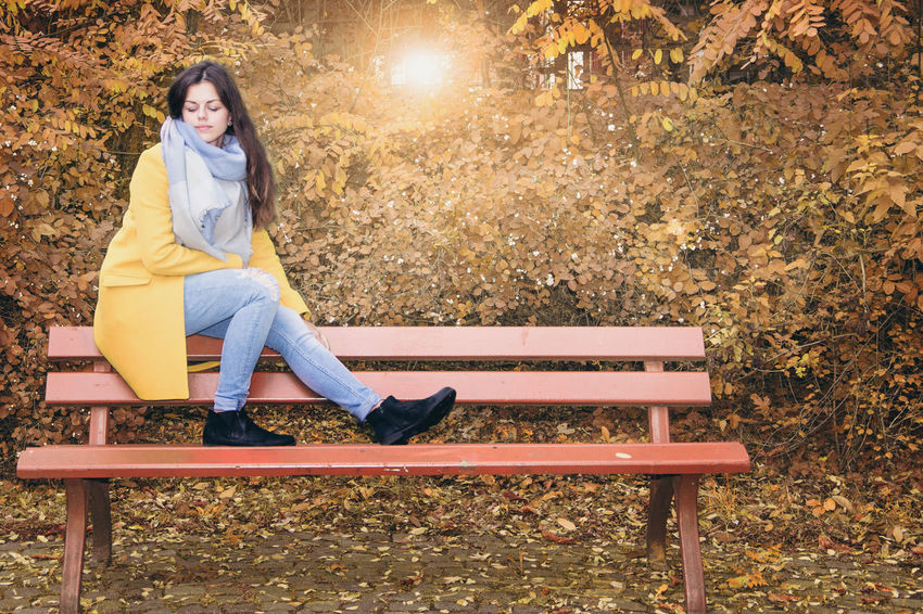 Paulin by www.eightTWOeightSIX.de Sitting One Person Beautiful People One Woman Only Portrait People Outdoors Beauty Brunette Woman Girl Autumn Autumn Colors Autumn Leaves Bench Germany Leipzig Sachsen Outside Shooting Female Femme Young Adult Beauty In Nature Nature The Portraitist - 2017 EyeEm Awards
