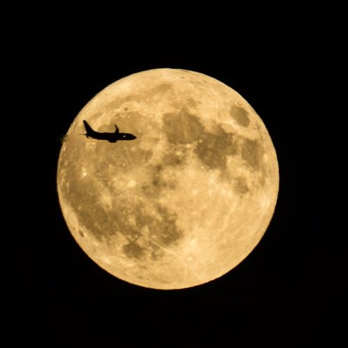 Fly me to the moon Moon Moon Surface Moonphotography Full Moon Plane Amercan Airlines Delta Airlines Southwest Airlines Jetblue