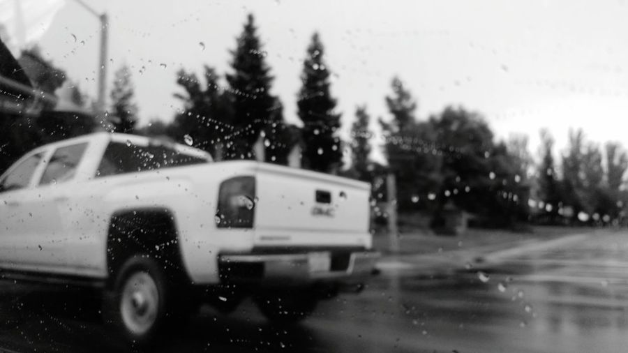 Rainy days are genuin in cali. So lets hope we get more of this rainy days this season. Rain Escaping Relaxing Raindrops