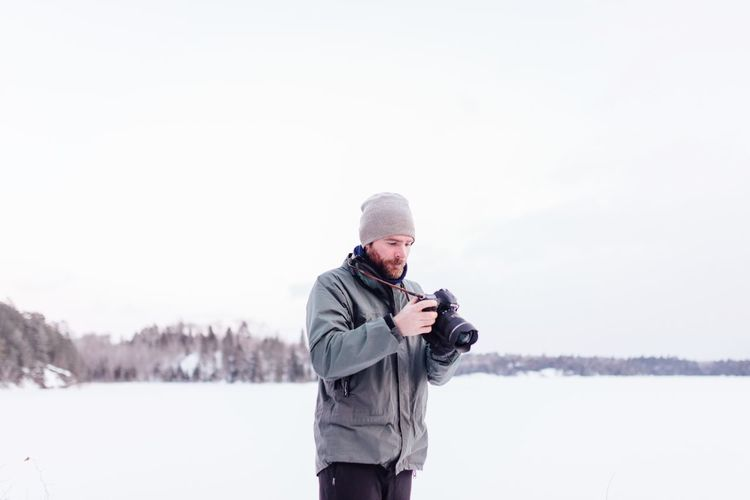 EyeEm Selects Winter Cold Temperature Snow Warm Clothing Copy Space One Man Only One Person Outdoors Adult Leisure Activity Nature Sport Sky