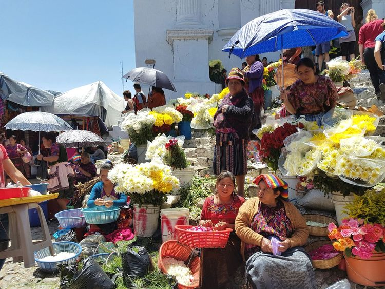 Check This Out - Market Life in Guatemala . // Women Flowers Lifestyles Mayan Tradition Hello World EyeEm Best Shots Street Photography Streetlife