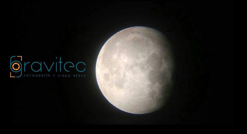Les comparto esta hermosa foto tomada por un servidor. Moonphotography Galaxy Astronomy Moon Night