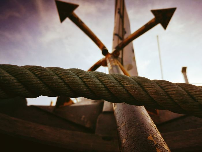 Close-up of rope on anchor