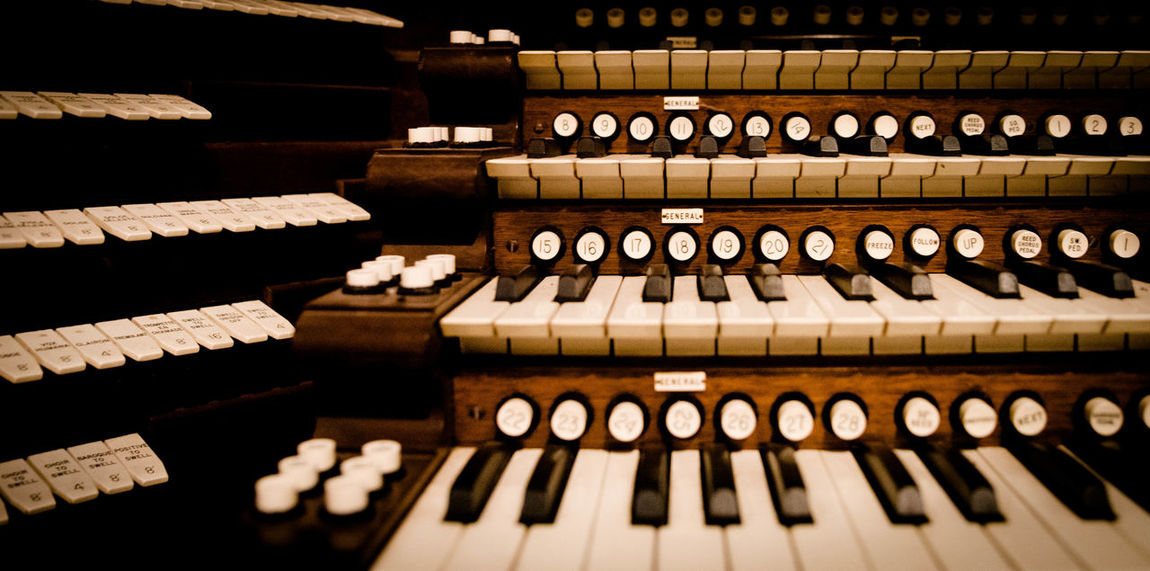 Backgrounds Black And White Day Ebony And Ivory Hammond HAMMOND ORGAN In A Row Keys Musical Instrument No People Organ Stops