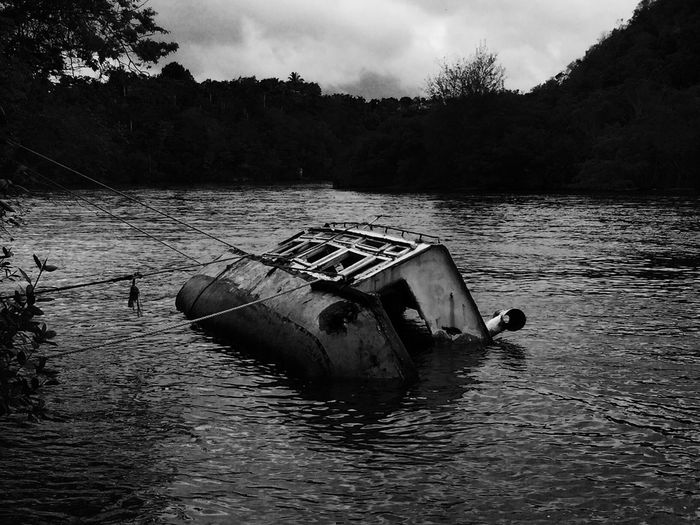 River River View Boot Sinking Ship Boat Sinkingboat Sinking In