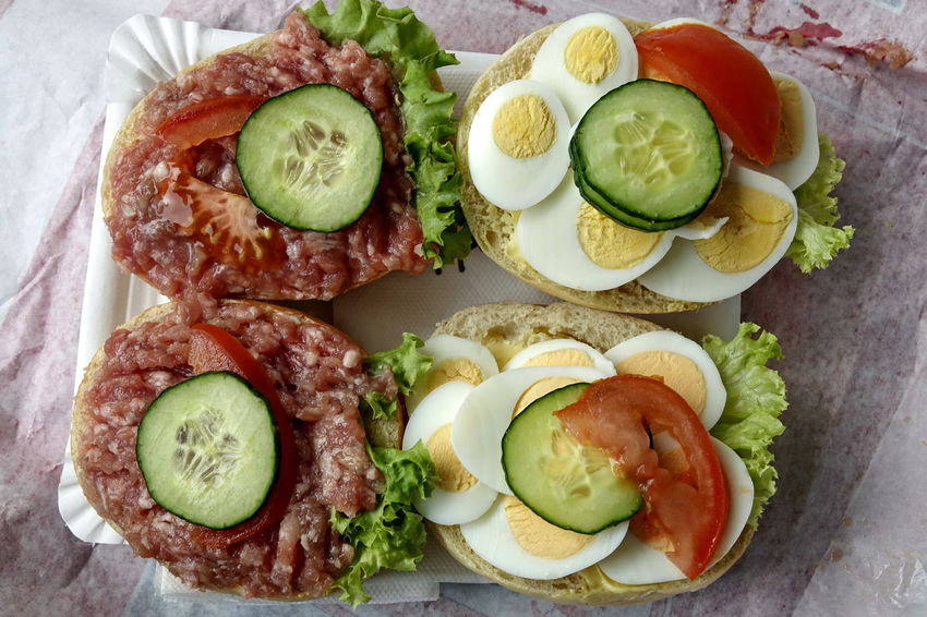 Avocado Boiled Egg Bread Breakfast Brötchen Close-up Cross Section Cucumber Egg Food Food And Drink Freshness Fried Egg Halbes Belegtes Brötchen Healthy Eating Indoors  Lettuce No People Pita Bread Plate Ready-to-eat Salad Sandwich Serving Size SLICE Tomato Vegetable