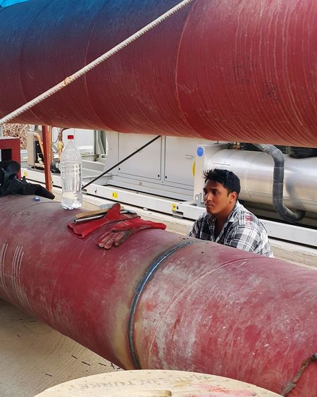 Worker Işçi Pipe Pipes Boru Ekmekparasi Düşünme özlemm Umut Gurbet