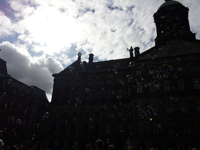 Bubbles Paleis Contrast/exposure Amsterdam