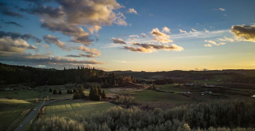 On your side Oregon Eugene Oregon Sky Scenics Tranquil Scene Nature Landscape Beauty In Nature Cloud - Sky Rural Scene Grass Field