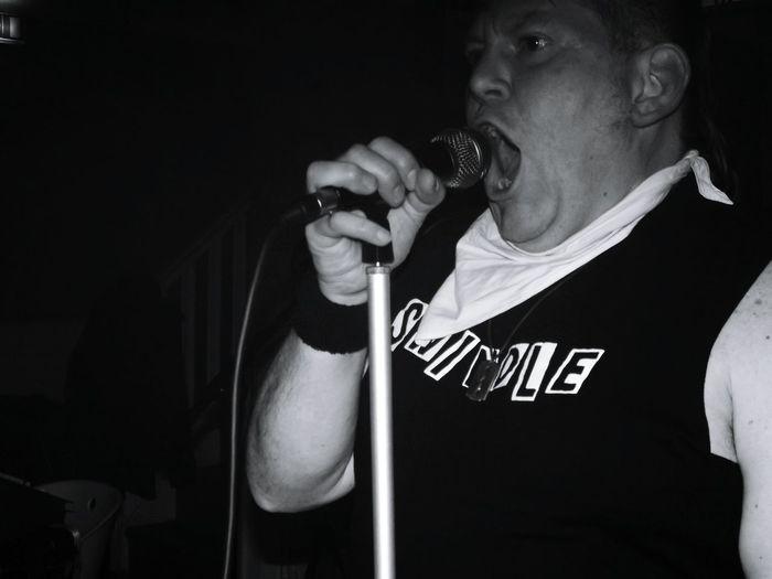 Crocs Rayleigh Punks Not Dead Punk Crocs Punk Style Punk Rock Punk Southend On Sea Swindle Wolfman Dunc