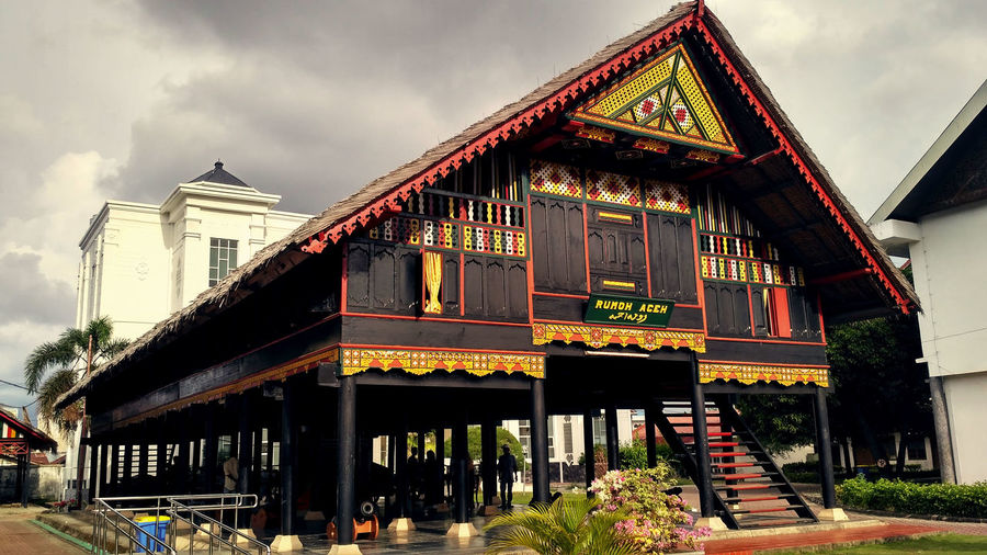 Rumoh Aceh Aceh Rumoh Adat Aceh Adat Architecture Building Exterior Built Structure Cloud - Sky Day Low Angle View No People Outdoors Peninggalan Rumahpanggung Rumoj Sejarah Sejarahaceh Sky Traditional