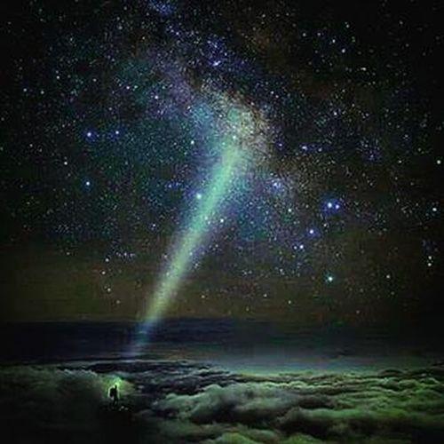 عِـندمـا يُـرشِـدُني الله 💡 لا يُـمـكن أن أضيع أبــداً 🚩💯 رمزيات  رمزياتي Sky Clouds Lights Light God ﷲ سماء غيوم نور إشراق Milkyway Stars