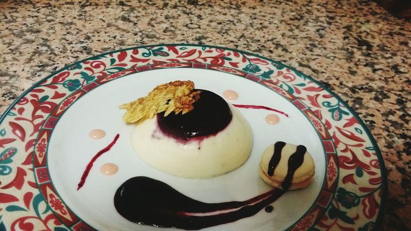 Macaron Dessert Pannacota Whitechocolate Berries Almond Yummy White Pink Relaxing