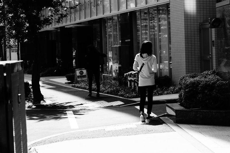 街 Street モノクロ Monochrome 後姿 散歩